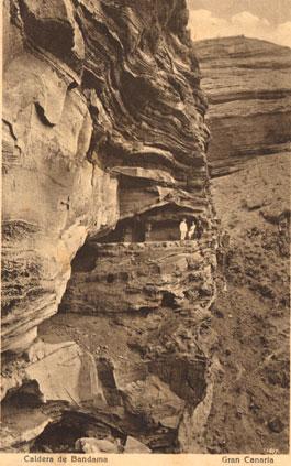 La Cueva de los Canarios en una fotografía de Curt Herrmann (1915)./ ARCHIVO DE FOTOGRAFÍA HISTÓRICA DE CANARIAS-FEDAC