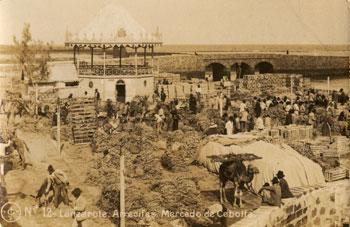 Mercado de cebollas en Arrecife en 1910./ FOTO AFHC-FEDAC