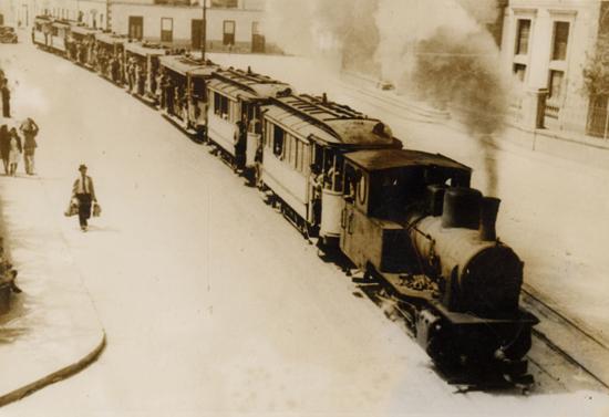 >El tranvía de Las Palmas reanudó su servicio, tras la guerra civil, en marzo de 1942./ FOTO AFHC-FEDAC