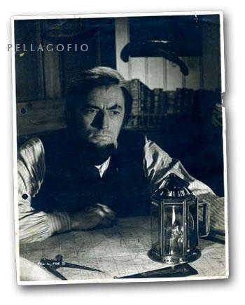 Esta es la foto que Pedro Vázquez vio hacer a Gregory Peck en el remolcador 'España II', donde estaba el camarote del capitán Ahab en el filme.  FOTO CEDIDA POR P. VÁZQUEZ