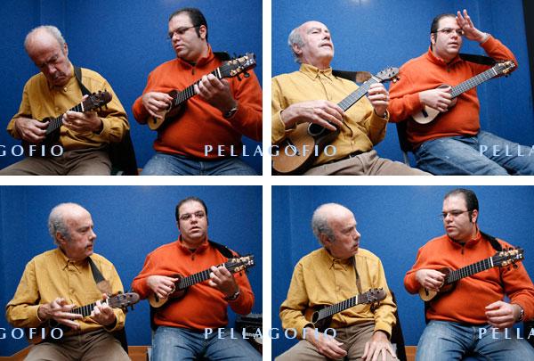 Totoyo Millares y José Antonio Ramos ensayan en el estudio del segundo, durante la sesión de fotos para esta página de PELLAGOFIO./ FOTOS Y. M.