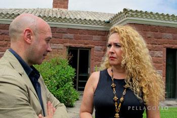 María del Mar Arévalo con el nuevo director del Jardín Canario, Juli Caujapé.