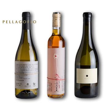 Algunos de los vinos Matías i Torres, en botellas con diseños exclusivos hechos a mano.| FOTO TATO GONÇALVES