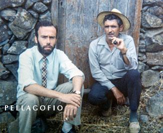 Buscando el sirinoque, Totoyo con Felisindo en Las Tricias en 1969.| FOTO LUIS ORTEGA ABRAHAM