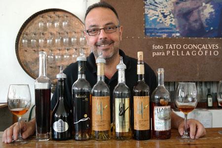 Carlos Lozano es el enólogo de Bodegas Teneguía, en Fuencaliente (La Palma).   Foto TATO GONÇALVES