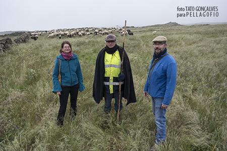 Jana Pilátová y Yuri Millares durante el encuentro con el pastor Pedrín Quintero. | FOTO TATO GONÇALVES
