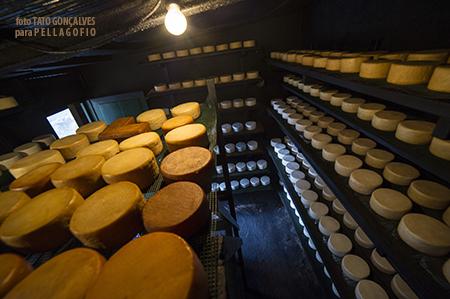 El cuarto donde Magnolia Armas ahúma y cura los quesos los dos primeros meses, en quesería La Empleita. | T. GONÇALVES