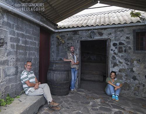 Autorretrato de grupo (de derecha a izquierda): entrevista, entrevistador y fotógrafo. | FOTO TATO GONÇALVES
