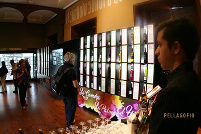 Exposición de los vinos y los quesos imprescindibles en el Palacio Spínola. | FOTO YURI MILLARES
