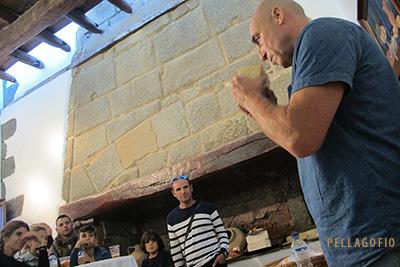 Isidoro Jiménez impartió diversos talleres de quesos ( de cabra, de oveja, ahumados, de flor...). | FOTO YURI MILLARES